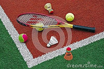 Tennisball-, Badmintonfederbälle u. Racket-2