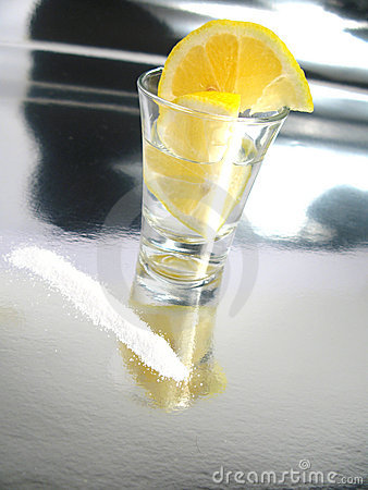 how to drink tequila with salt and lemon