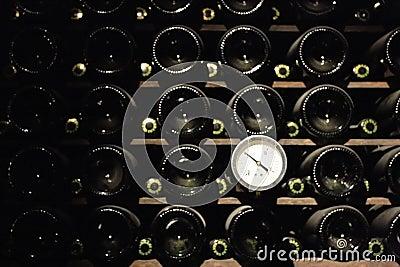 Termometer in winecellar