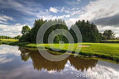 Terrain de golf idyllique