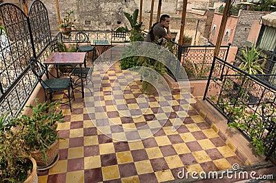 terrasse marocaine typique de toit. Black Bedroom Furniture Sets. Home Design Ideas