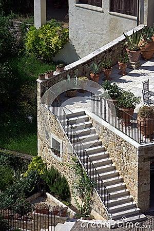 Terrazzo con le scale esterne immagini stock libere da for Scale esterne design