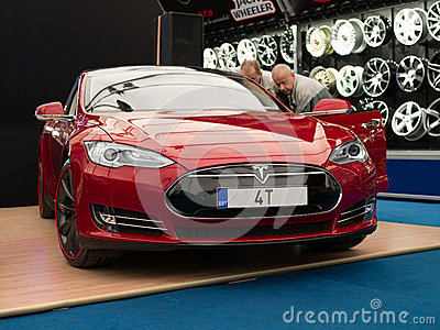 Tesla Model S Editorial Image Image 45021585