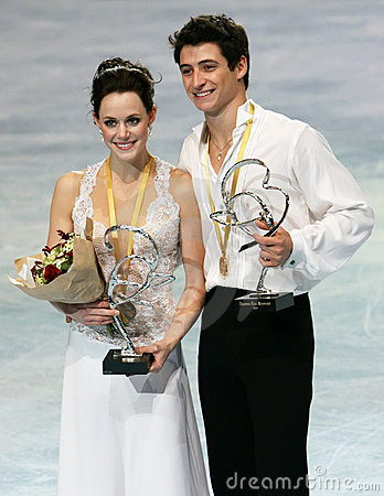 Tessa Virtue and Scott Moir win gold (CAN) Editorial Photography