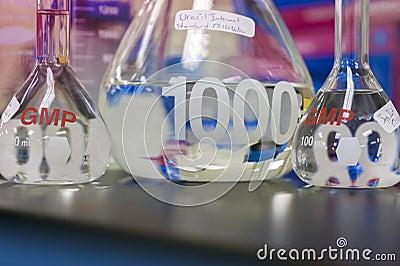 Testa-rör glasföremål