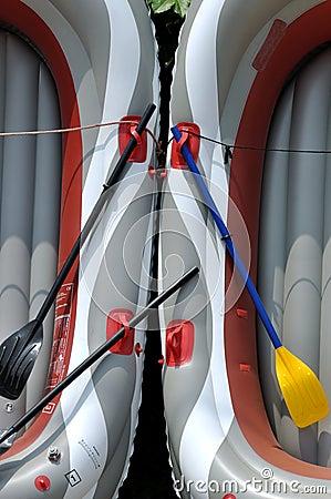 Teste padrão simétrico compor pelo barco leve de borracha