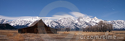 Teton mountain range midnight star shower