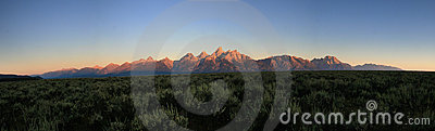 Teton sunrise panorama