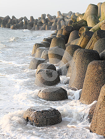 Free Tetrapods Made Of Concrete Protect The Coast Of Sylt Royalty Free Stock Photos - 47741978