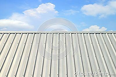 Tetto di alluminio ondulato fotografia stock immagine for Stili tetto tetto