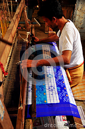 Textile worker weaving Pochampally clothes Editorial Stock Image
