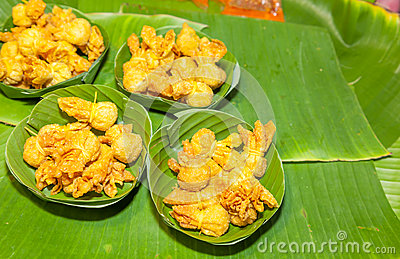 Thai ancient dessert called Toong Thong