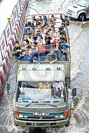 Thai army help people ,Bangkok Flooding 2011 Editorial Image