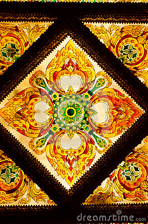 Free Thai Art Decorative Ceiling At The Temple Of Thailand. Stock Photography - 34795162