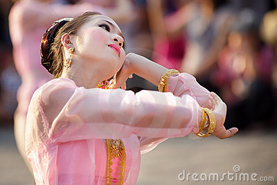 Thai dancer in festival Editorial Photo
