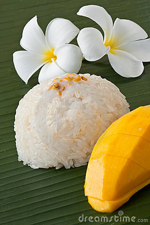 Thai dessert sweet sticky rice with mango