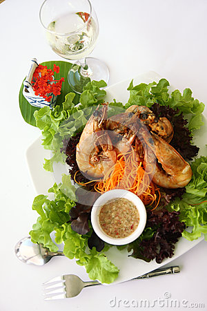 Free Thai Food Garlic Prawns Royalty Free Stock Photos - 28859248