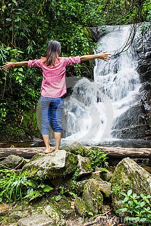 Thai Girl Relax At Siribhum Water Fall in Doi inthanon