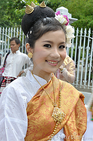 Thai Lady In Traditional Dress Stock Photos - Image: 16551323