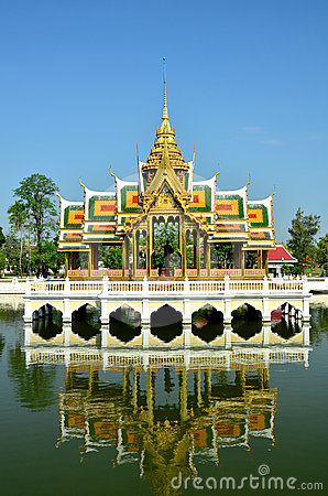 Thai Palace is reflected in the water