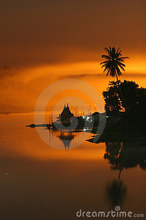 Free Thai Style Floating House Stock Images - 14864604