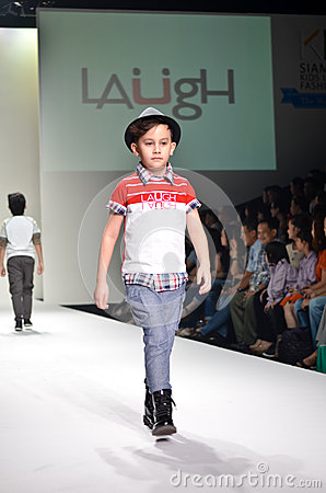 THAILAND, BANGKOK- OCT 2013 : A model walks the runway at the LA Editorial Stock Image