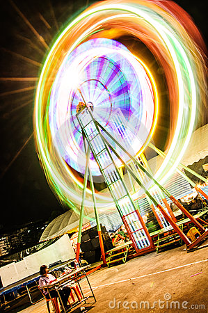 Free Thailand Ferris Wheel Night Motion Blur Stock Images - 35732414