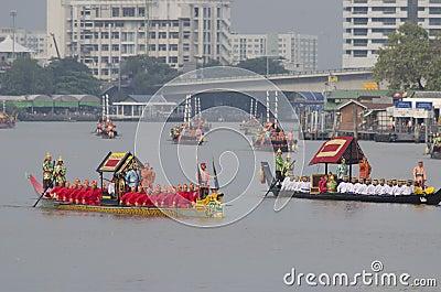 Thailändische königliche barge herein Bangkok Redaktionelles Stockfoto