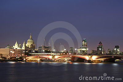 Thames river city of london skyline at night
