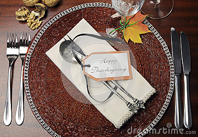 Dinner Table Overhead View : Thanksgiving Dinner Table Place Setting - Aerial View Royalty Free ...