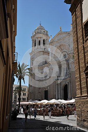 Free The Cathedral Of The Holy Cross In The Old Maritime City Of Cadiz Is Considered One Of The Largest In Spain. Stock Image - 113984571