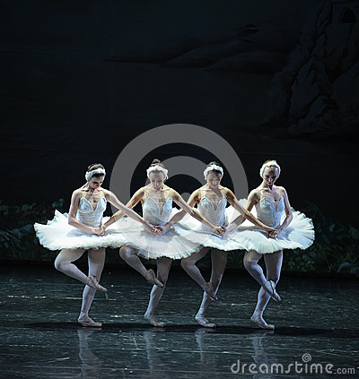Free The Classic Four Little Swan Dance-The Swan Lakeside-ballet Swan Lake Stock Photo - 48876830