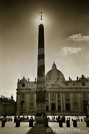 Free The Cross Of St. Peter, Rome Royalty Free Stock Image - 245936