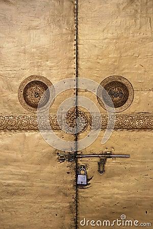 Free The Doors Of A Buddhist Temple In Wangdue Phodrang, Bhutan, Were Padlocked Stock Photo - 48405840