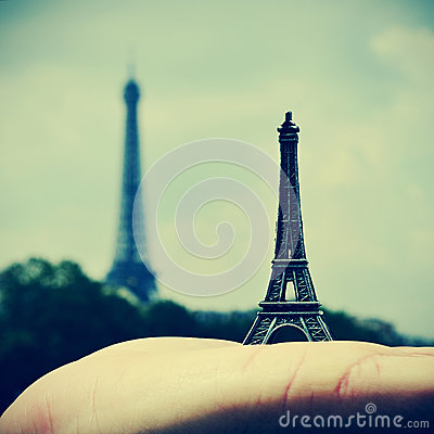 Free The Eiffel Tower In Paris, France Stock Image - 31474021