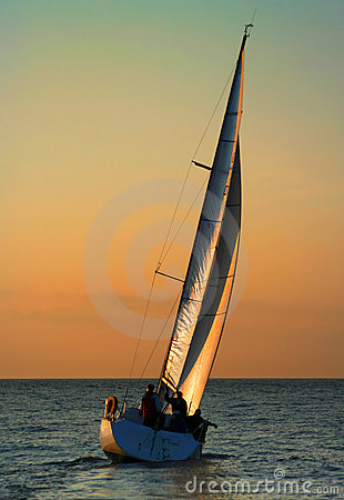 Free The Gold Sails 2 Royalty Free Stock Photography - 990707