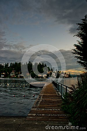 Free The Lonely Pier At The Swimming Lanes At Meydenbauer Beach Park In Bellevue After Hour After Dark Royalty Free Stock Image - 111437756