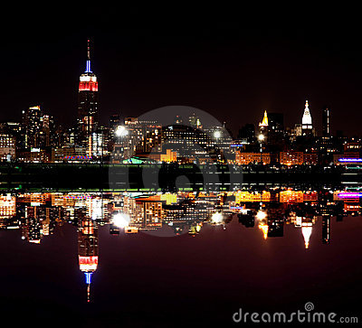 Free The Mid-town Manhattan Skyline Royalty Free Stock Photo - 12512445