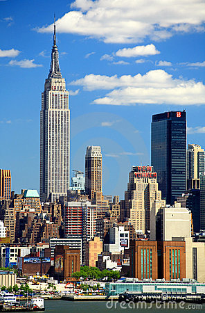 Free The Mid-town Manhattan Skyline Royalty Free Stock Photo - 5258135