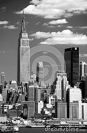 Free The Mid-town Manhattan Skyline Stock Photo - 5359090