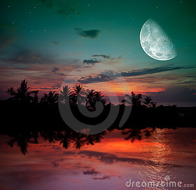 Free The Ocean, Sunset And Moon Stock Images - 23533564