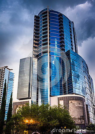 Free The Premiere Trade Plaza Office Tower In Orlando, Florida. Royalty Free Stock Photography - 47764527