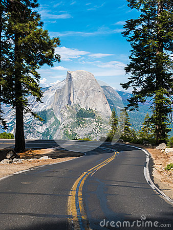Free The Road Leading To Glacier Point In Yosemite National Park, Cal Stock Image - 96541821