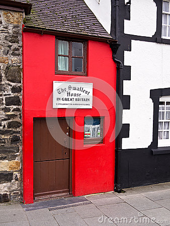 Free The Smallest House In Great Britain Stock Image - 29489991