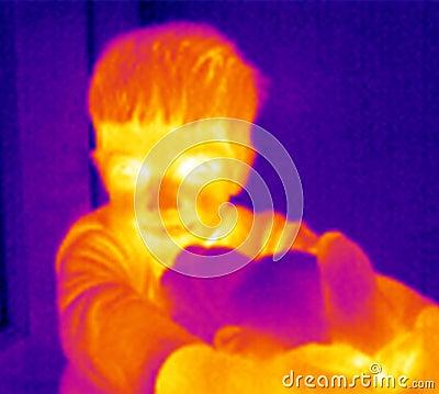 Thermograph-Junge mit Teddybären