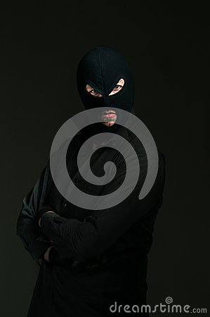 Thief with blue eyes