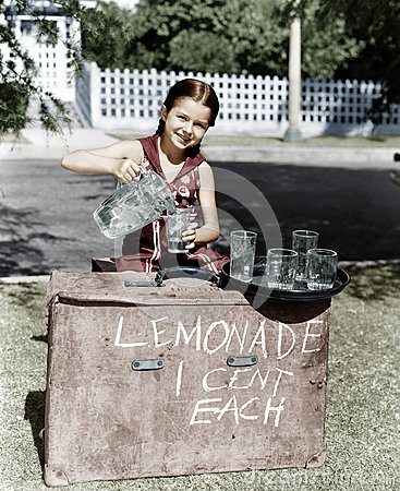 Free THIRST QUENCHER Royalty Free Stock Images - 52030509