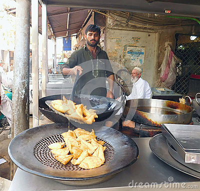 Free This Boy Is Making Samosas For His Customers Stock Photography - 70753662