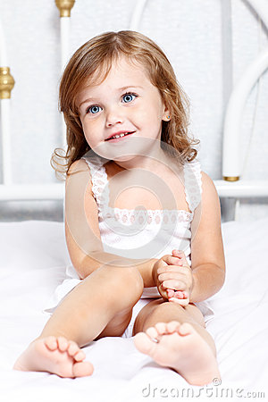 Free Thoughtful Little Girl Royalty Free Stock Photos - 27548078
