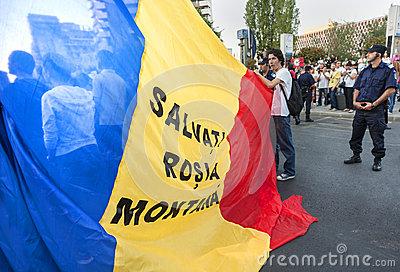 Thousands rally in Romania against Canadian-controlled gold mine on Bucharest Editorial Stock Photo